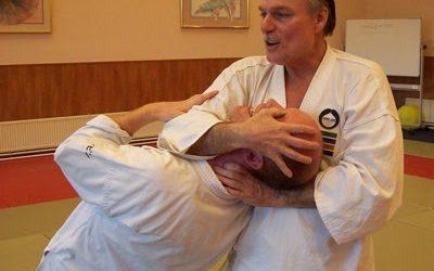 """A """"gondolatolvasó"""" harcművész, Peter Ralston"""
